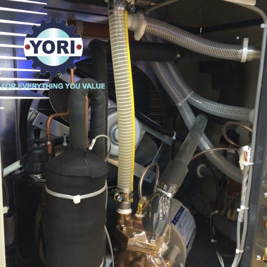 Inside the water chiller ORION - Bên trong máy làm lạnh nước ORION.