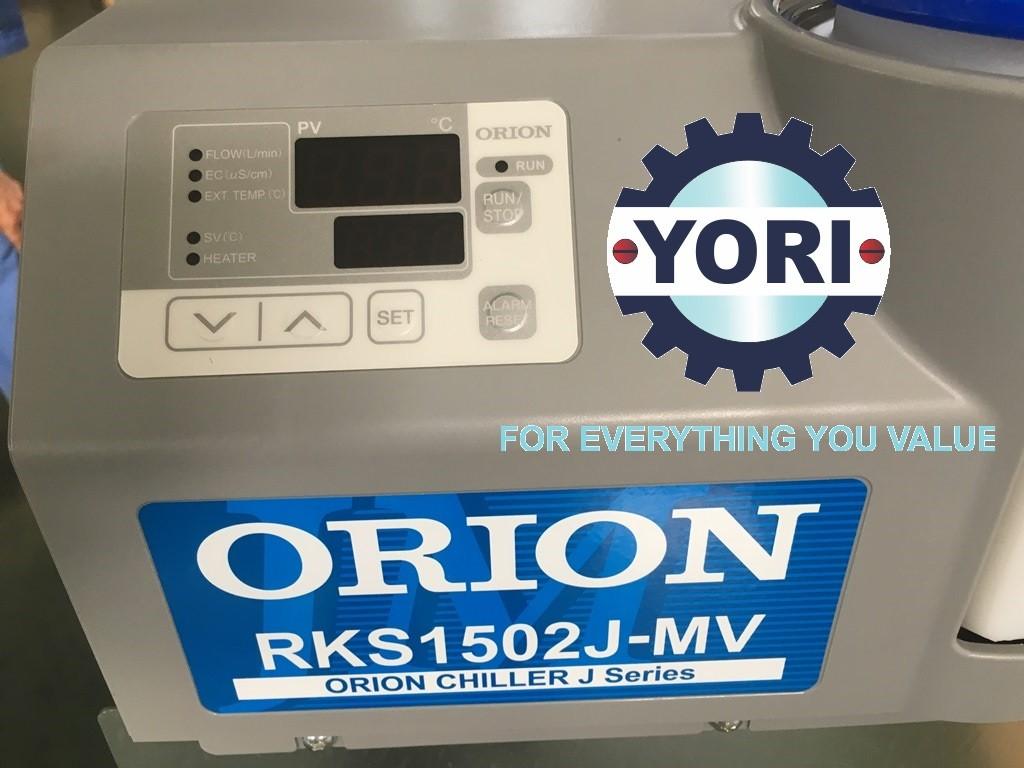Control panel of RKS-J MV series - Bảng điều khiển nhiệt độ và theo dõi tình trạng hoạt động của dòng RKS-J MV
