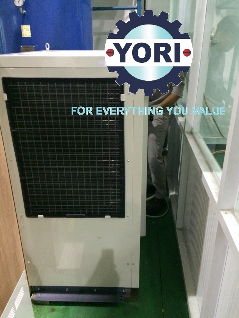 Move Water Chiller To Owner's Workshop – Đưa Máy Làm Lạnh Nước Vào Xưởng Của Chủ Đầu Tư