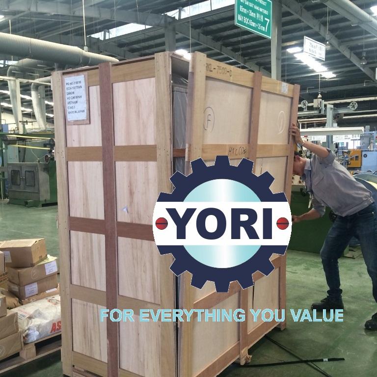 Unloading RKL7500-D Unit – Tháo kiện cho máy làm mát ORION.